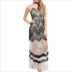 Dresses & Skirts - SALE!!!❄️LACE MAXI DRESS Embroidered Maxi❄️